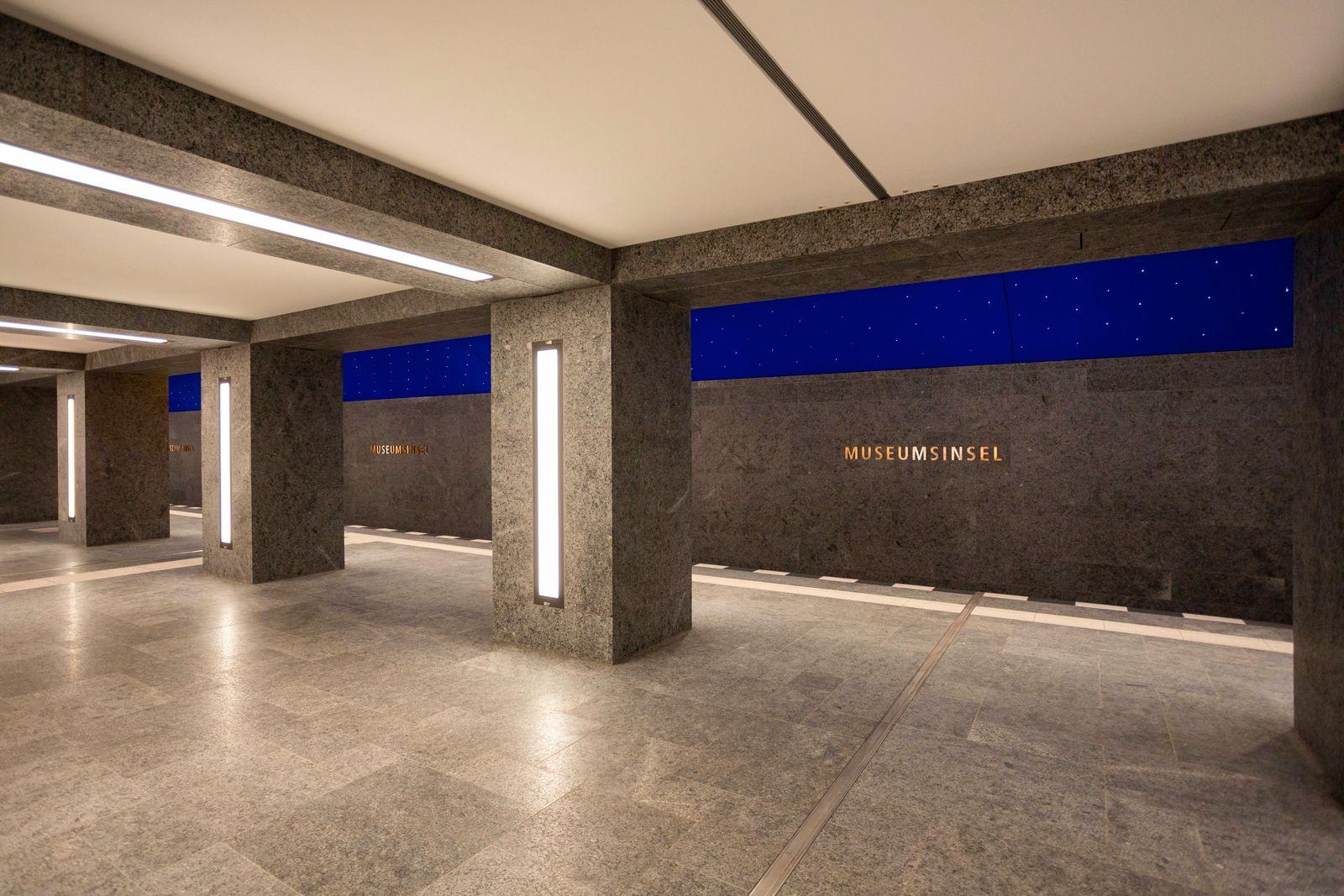 U-Bahnhof Museumsinsel feierlich eroeffnet, Senatorin Ramona Pop gleichzeitig auch Vorsitzende des Aufsichtsrats der Ber