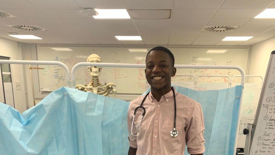 """Medizinstudent Malone Mukwende, 20: """"Wer schwarze Lippen hat, bei dem sehen sie nicht blau aus"""""""