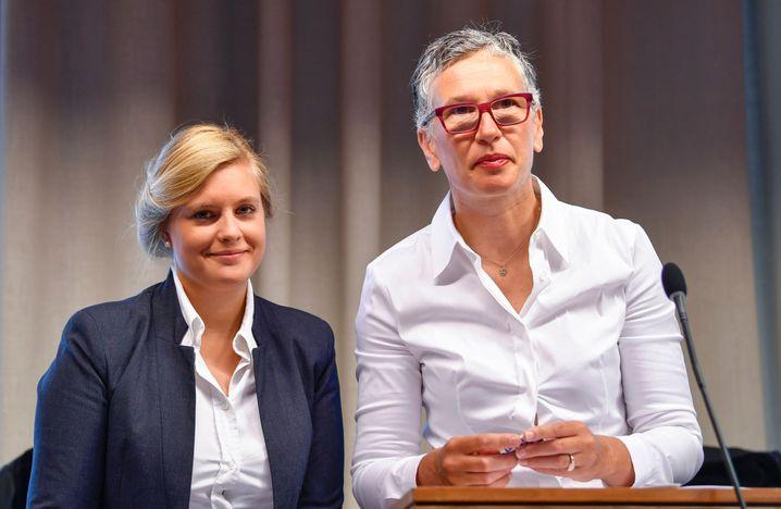 Staatsanwältinnen Sabrina Haberstroh (l.) und Nikola Novak