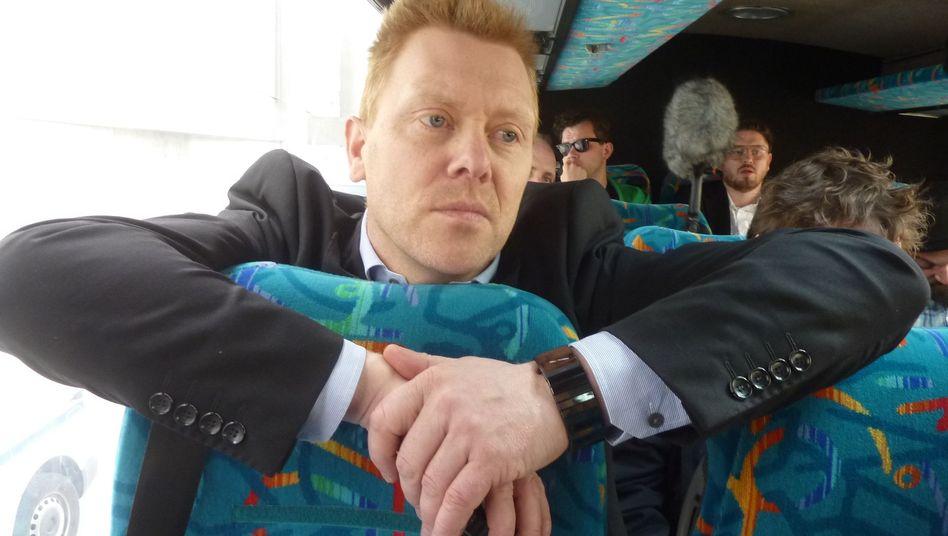Wahlsieger Jon Gunnar Kristinsson: Rote Karte für isländische Politiker