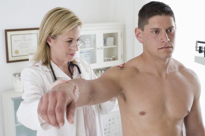 Keine Belege für Wirksamkeit: die Stoßwellentherapie flog 1998 aus der Erstattung