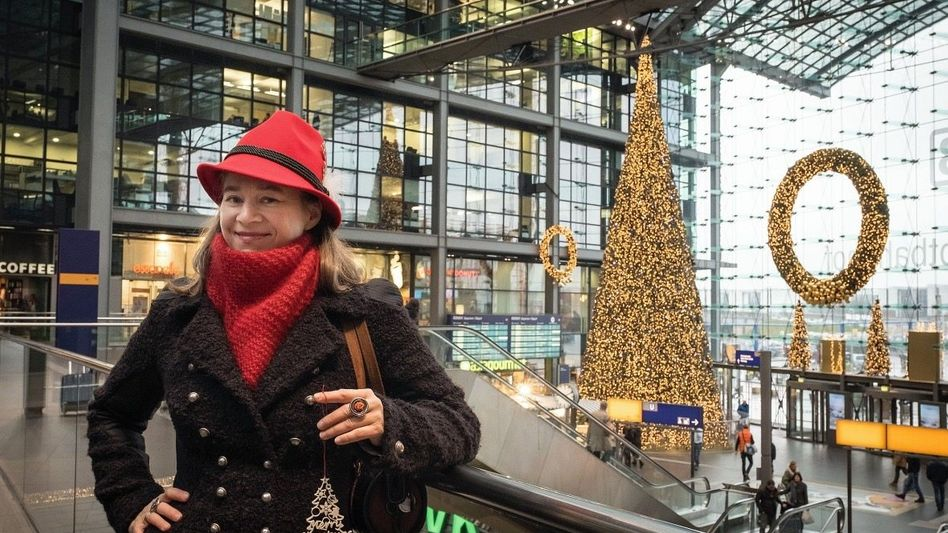 Neuparlamentarierin Domscheit-Berg im Berliner Hauptbahnhof: Besonders viel Hass von rechts