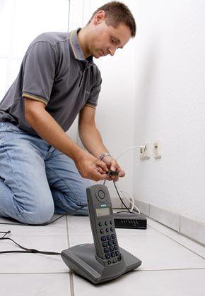 Ein Anschluss, drei Anwendungen: Bei Triple Play laufen Internet, Telefon und Fernsehen über eine Leitung