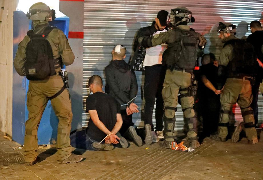 Israeli police and arrested Arab Israelis in Lod