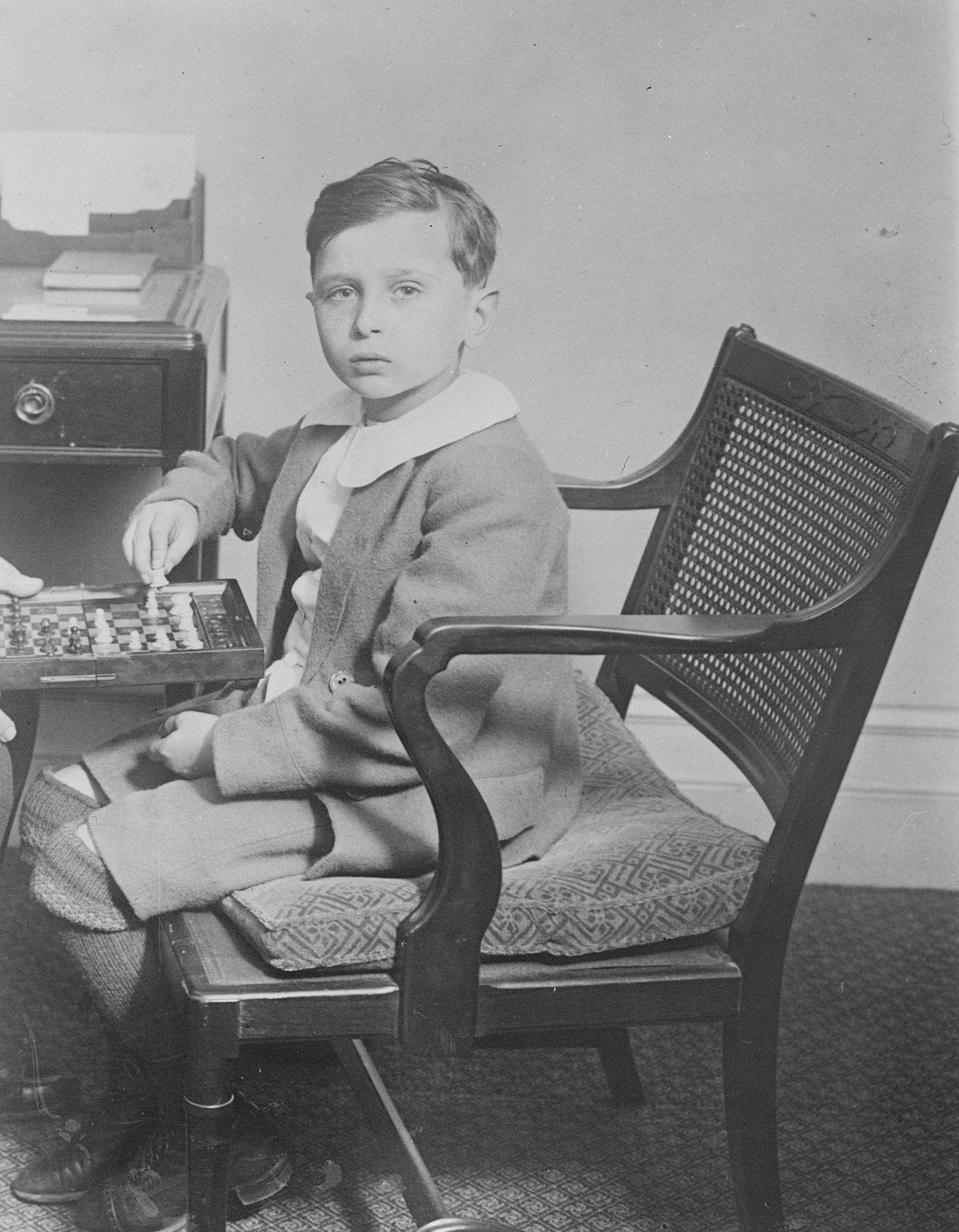 Chess Prodigy Aged Ten Years Wins in Masters Tourney Samuel Rzechewski a 10 year old Polish prodigy