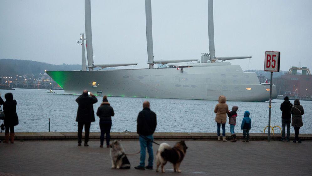 """""""Sailing Yacht A"""": Riesensegler sticht in See"""