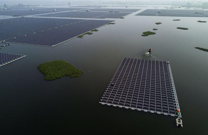 Schwimmende Solarfarm nahe der chinesischen Stadt Huainan