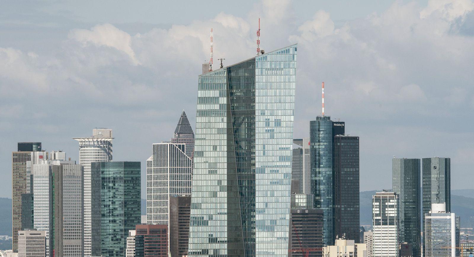 Bankenskyline Franfkfurt mit EZB