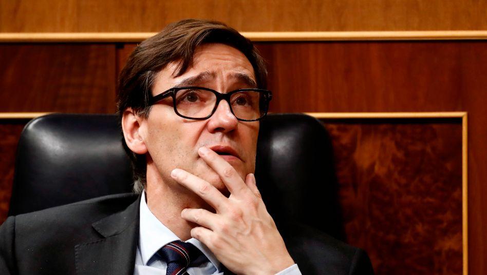 """""""Wir setzen nun Soldaten ein"""": Spaniens Gesundheitsminister Salvador Illa"""
