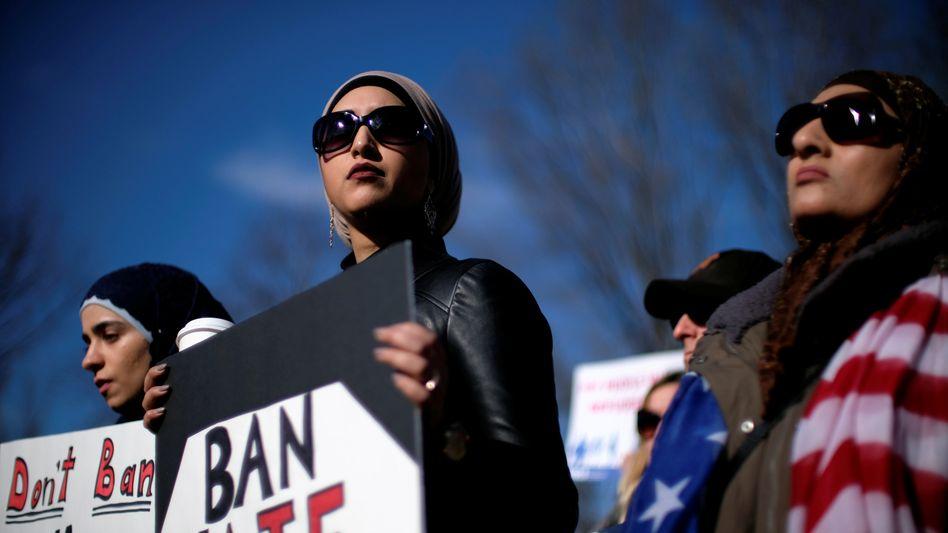 Proteste gegen den Einreisestopp vor dem Weißen Haus (Archiv)