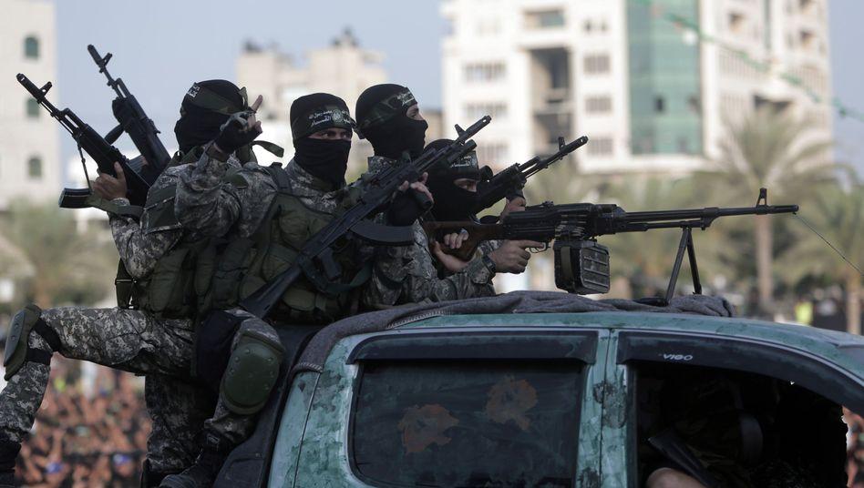 Mitglieder der radikalislamischen Hamas: Mutmaßlicher Kollaborateur zum Tode verurteilt