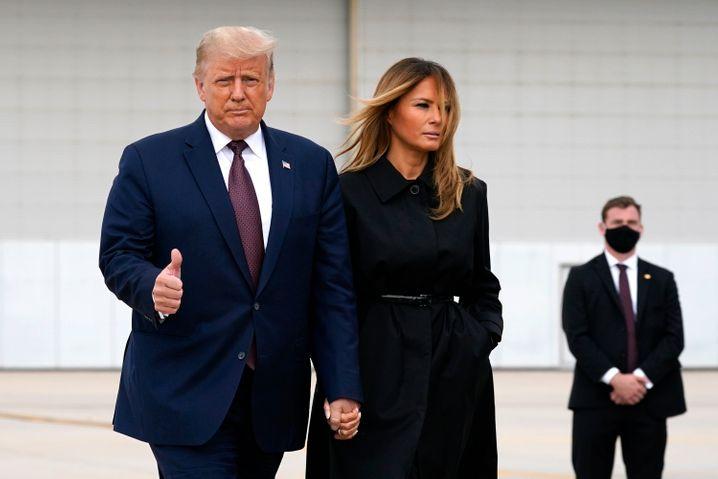 Daumen hoch: Trump und First Lady Melania beim 9/11-Gedenken