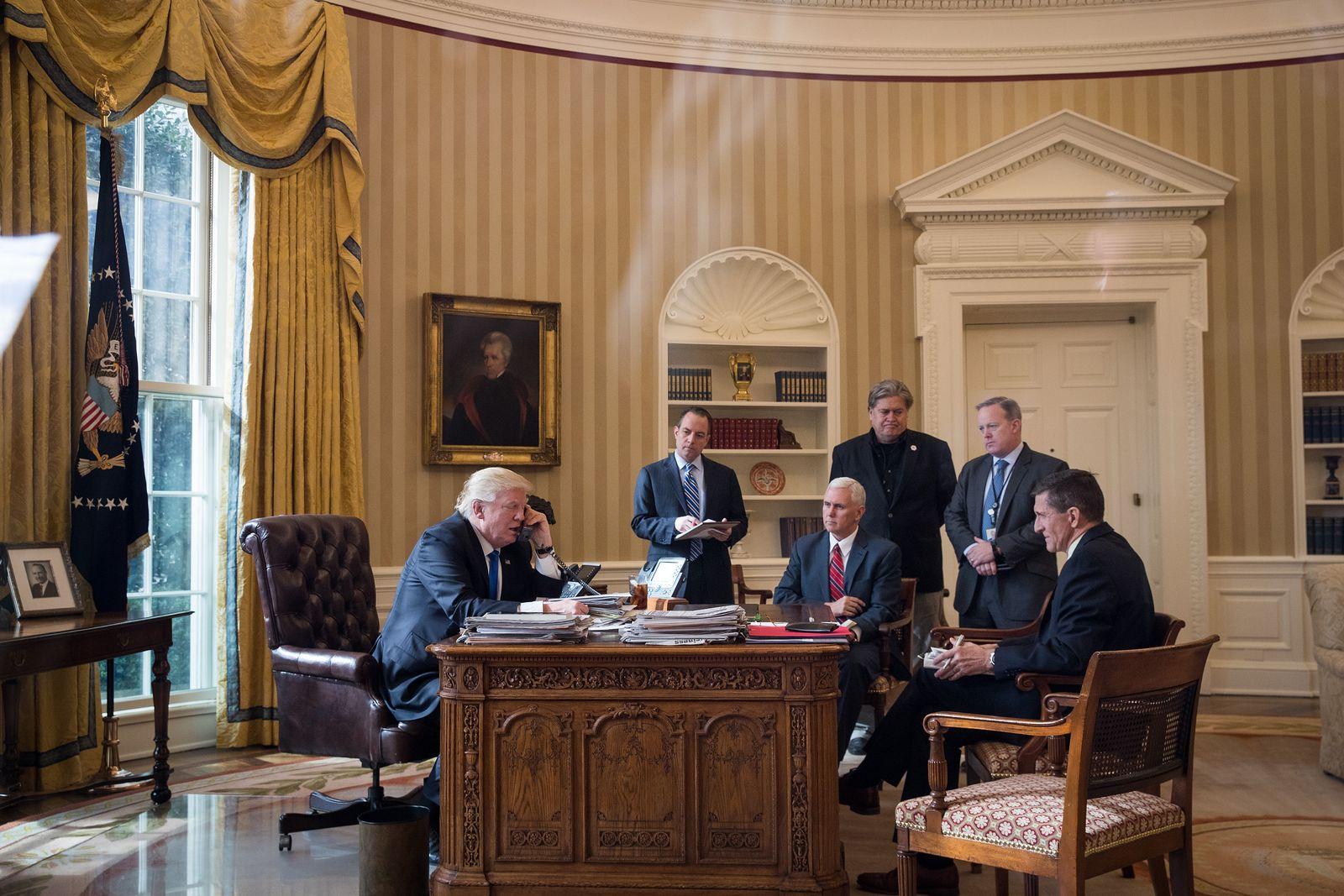 Donald Trump / Oval Office
