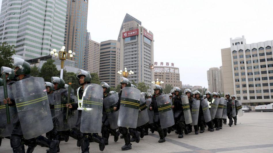 Chinesische Paramilitärs in der Xinjiang-Region: Der IS sieht Chinas Westen als Teil seines Kalifats