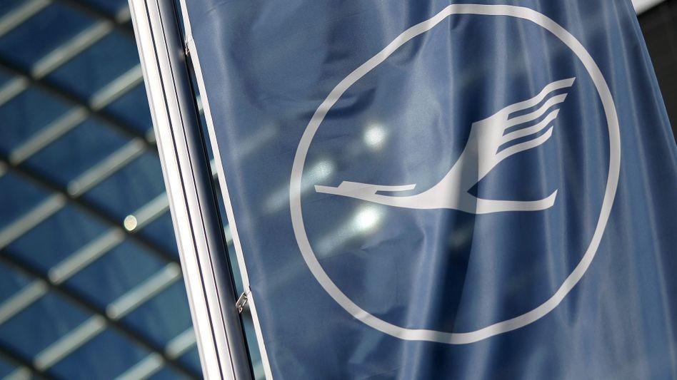 Lufthansa-Logo in Frankfurt: Rekapitalisierungshilfen in Höhe von sechs Milliarden Euro