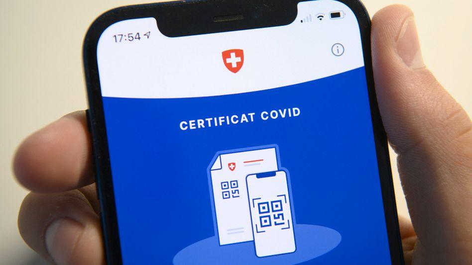 Schweizer Covid-Zertifikat: Auch auf die Risiken hinweisen