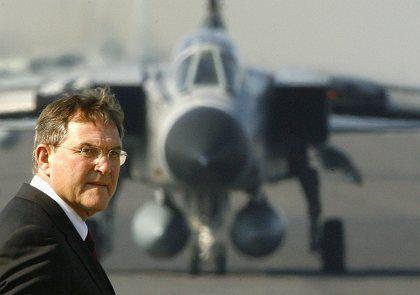 Verteidigungsminister Franz Josef Jung (CDU): Nächste Poker-Runde in Vilnius