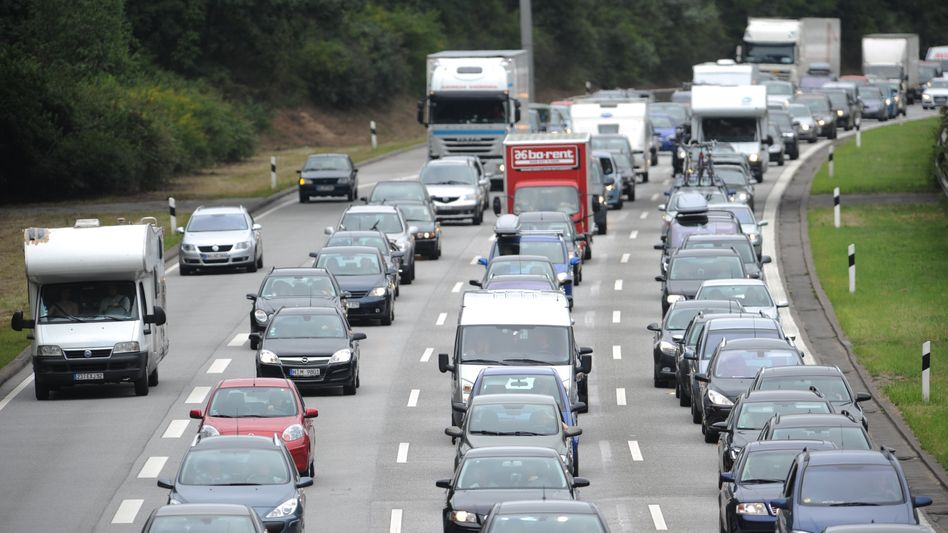 """Stau auf der Autobahn: """"Das ist ein Skandal"""""""