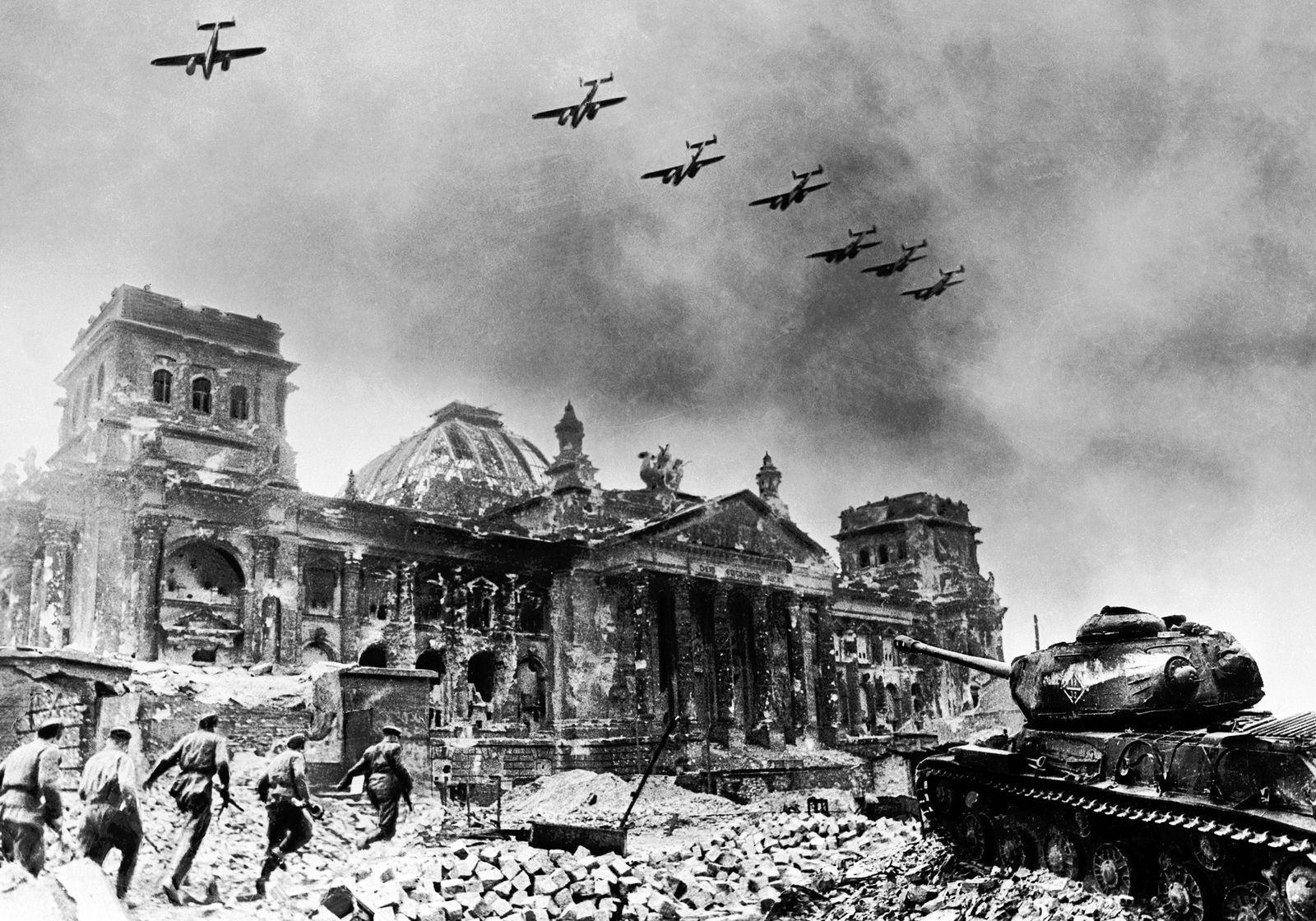 NICHT MEHR VERWENDEN! - EINMALIGE VERWENDUNG Luftangriff Berlin 1945