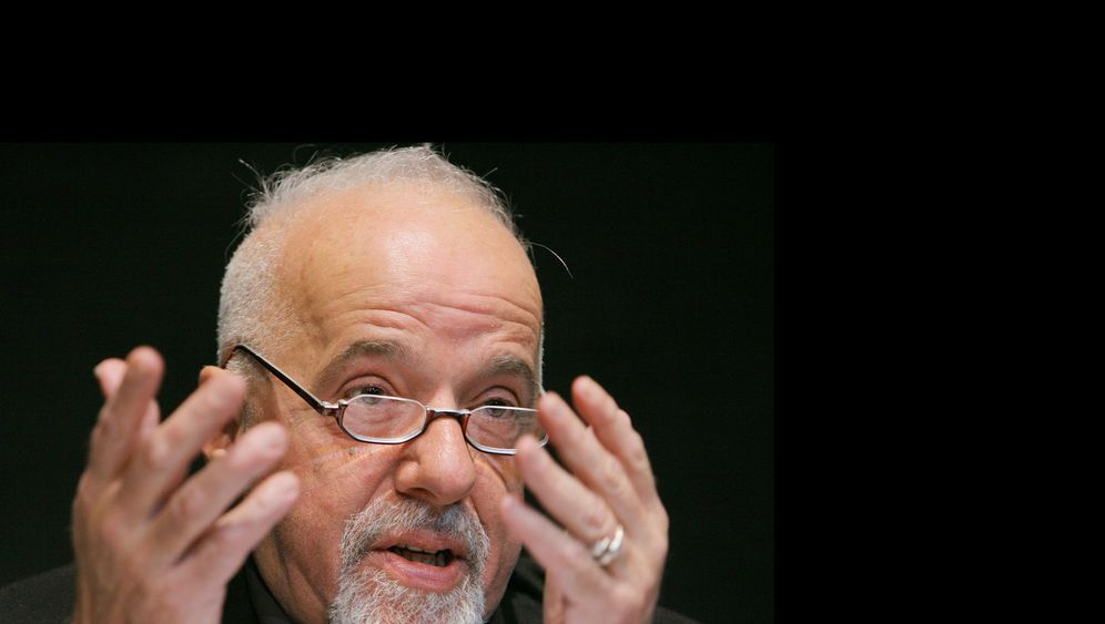 """The Interview"" abgesagt: Coelho trotzt den Terrordrohungen"