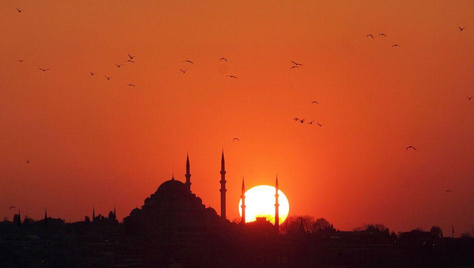 Sonnenuntergang über Istanbul: Urlaubsgeschäft 25 Prozent im Minus