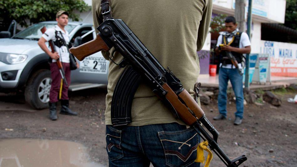 Bürgerwehr im Bundesstaat Michoacán: Weitere Kreisstadt eingenommen