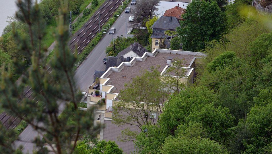 Hinter diesem Wohnhaus in Trier wurde die Leiche von Tanja Gräff im Mai gefunden