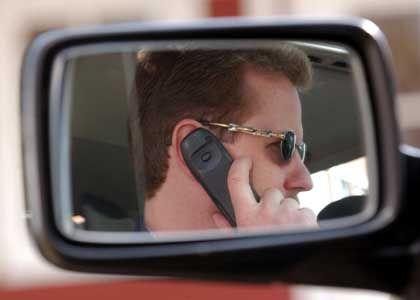 Handy-Ortung: 30 Euro pro Anruf