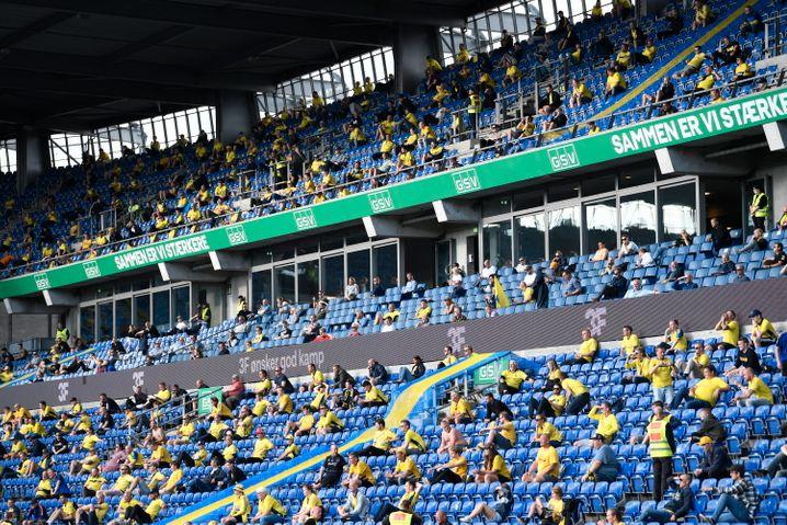 Das Kopenhagen-Derby zwischen Bröndby IF und dem FC Kopenhagen am 21. Juni 2020 fand als eins von drei Spielen testweise vor Zuschauern statt