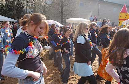 Hula-Tanz: Heute diktieren Schüler den Lehrplan