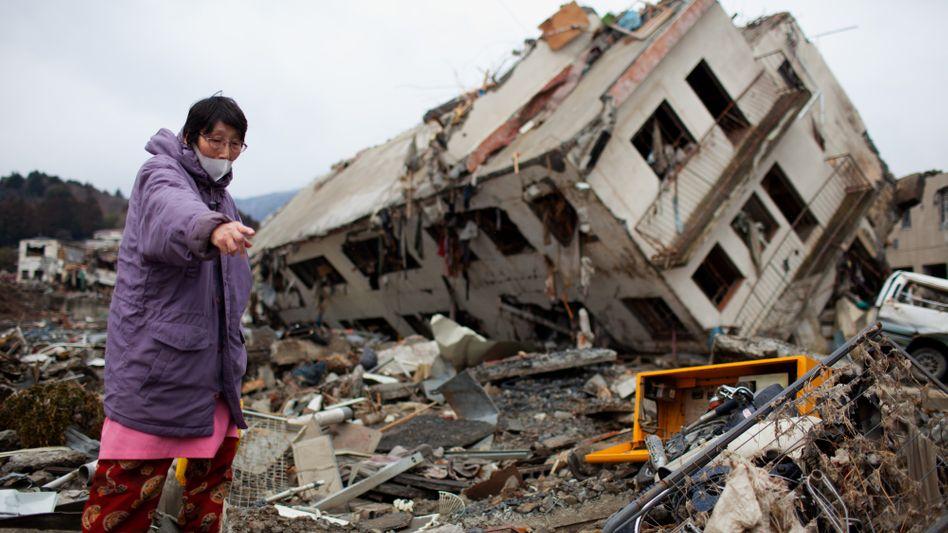 """Eine Frau in der zerstörten Stadt Onagawa: """"Eine Katastrophe von historischem Ausmaß"""""""