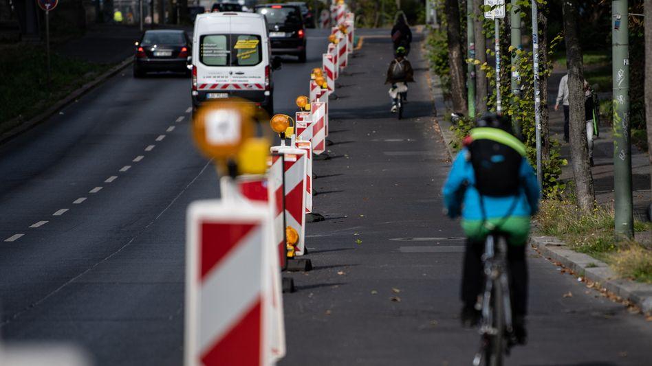 Pop-up-Radweg am Halleschen Ufer in Berlin