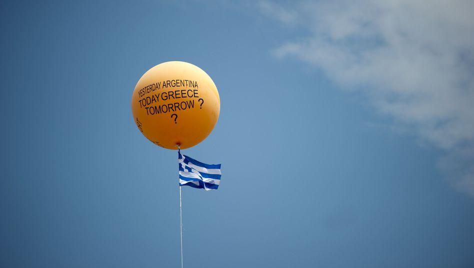 Protest gegen griechisches Sparprogramm: Euro-Gruppe bastelt am zweiten Hilfspaket