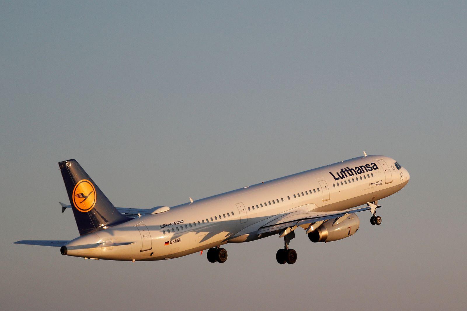 Lufthansa/ Flugzeug/ Airbus A321