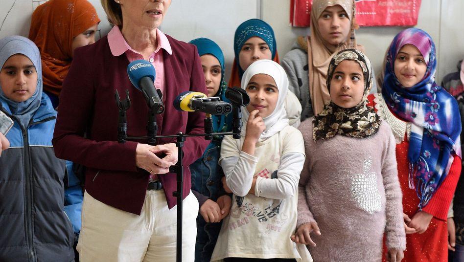 Verteidigungsministerin Ursula von der Leyen (CDU) zu Besuch in Jordanien
