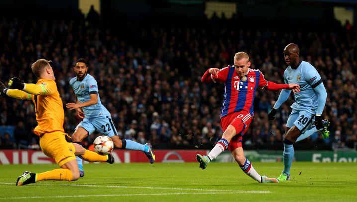 ManCity vs. Bayern: Benatia-Rot und Agüero-Dreierpack