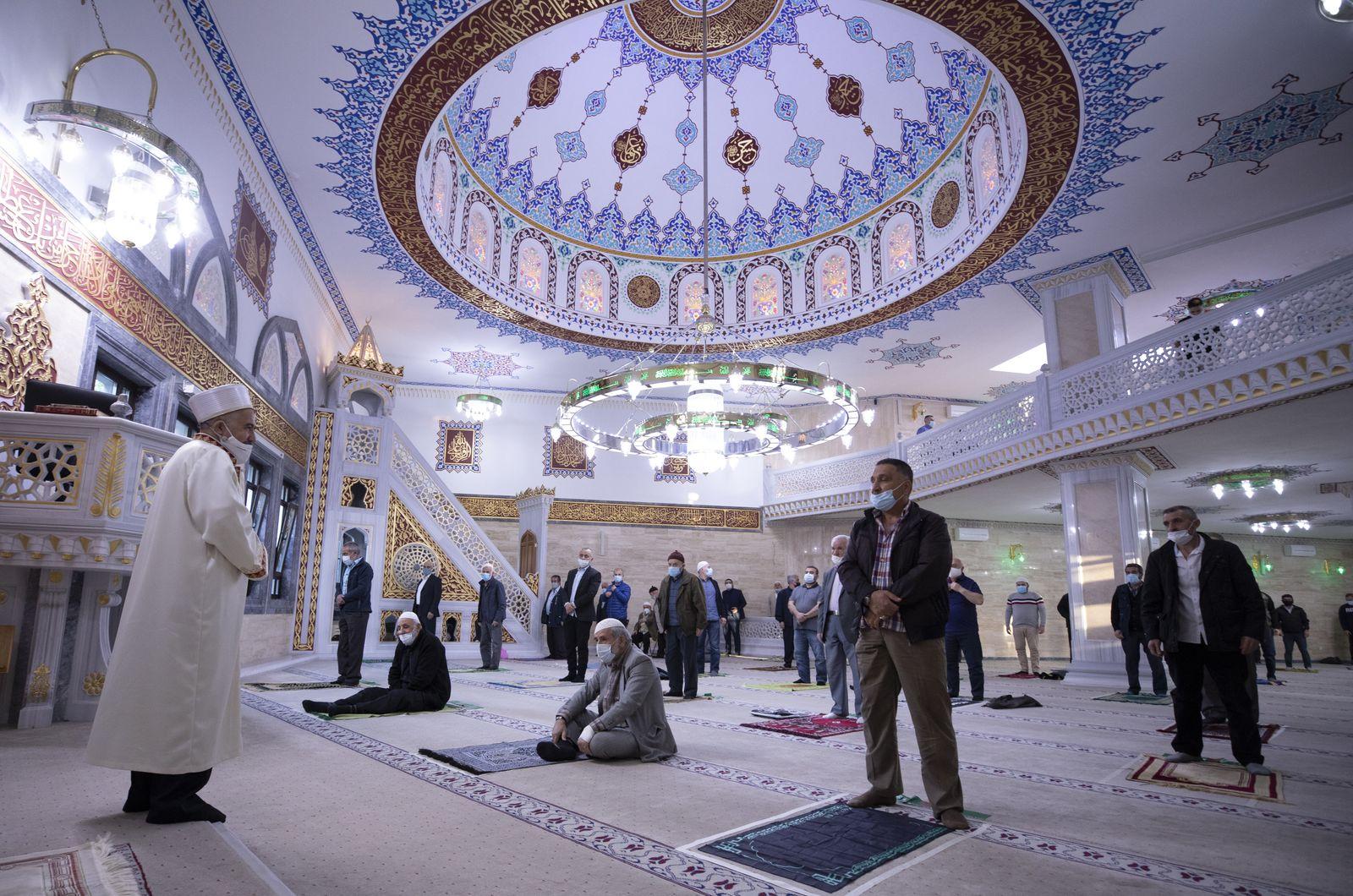 Eid al-Fitr prayer in Germany
