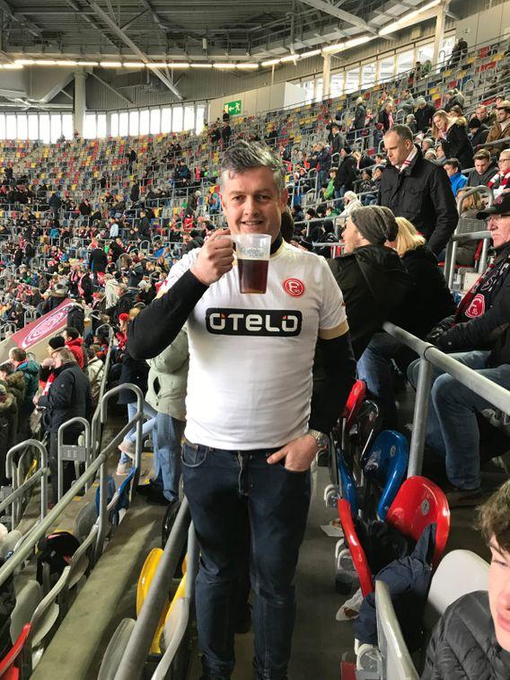 Magazingründer Feargal McEvoy im Stadion von Fortuna Düsseldorf