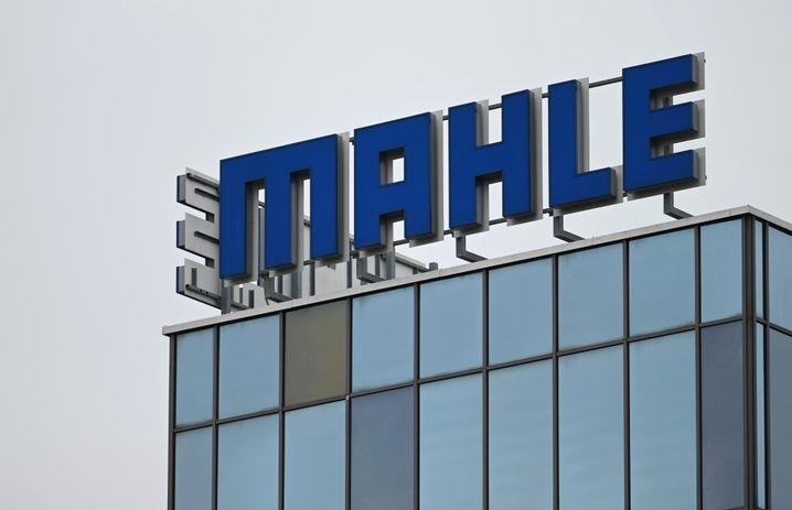 Logo des als »Kolben-Mahle« bekannten Zulieferunternehmens: Im 100. Firmenjahr 2020 belief sich der Verlust auf 434 Millionen Euro