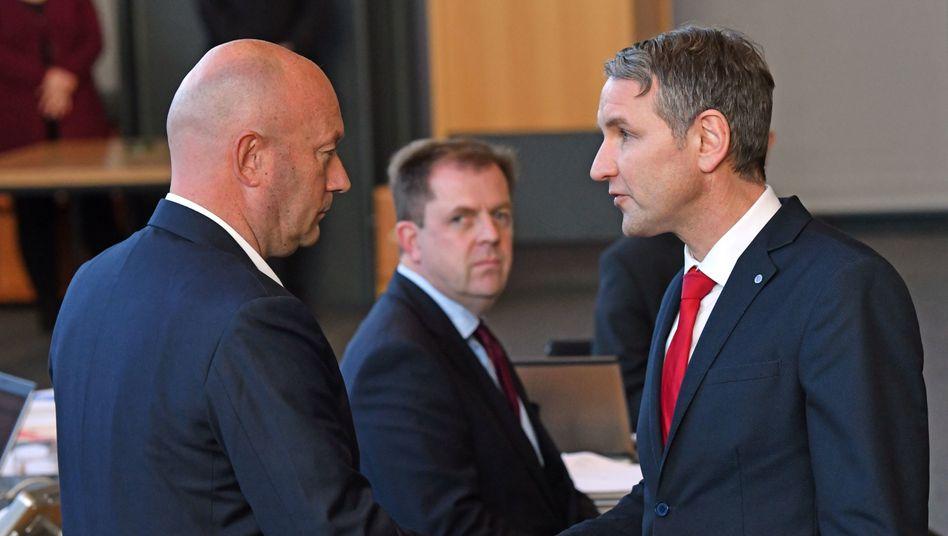 Björn Höcke gratuliert seinem Ministerpräsidenten Thomas Kemmerich