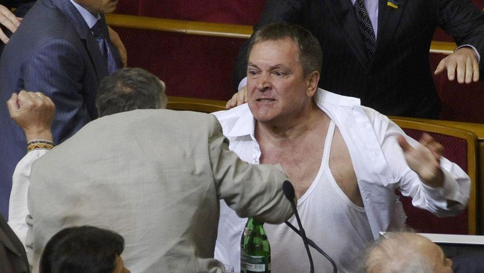 EM-Gastgeber: Ukrainische Politiker lassen die Fäuste sprechen