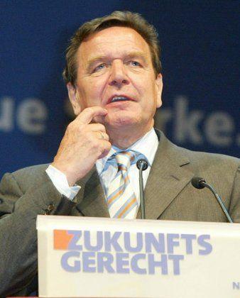 Schlag ins Gesicht: Schröder nach dem tätlichen Angriff auf dem Europafest in Mannheim