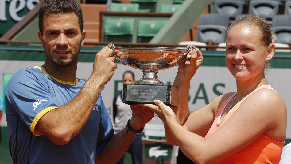 Tennisprofis Grönefeld (r.), Rojer: Triumph im Mixed der French Open