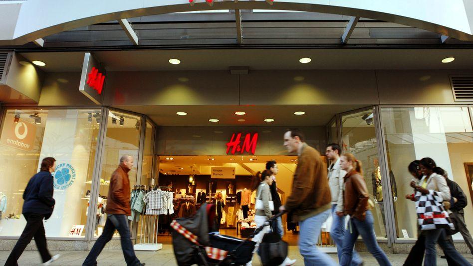 H&M-Filiale auf der Frankfurter Einkaufsmeile Zeil (Archivbild)