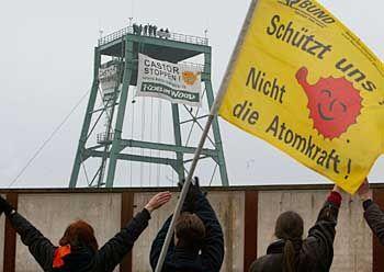 Robin-Wood-Aktivisten besetzten einen Förderturm