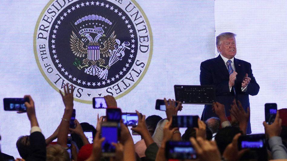 Konservative Studenten wollten sich Inspiration bei Donald Trump holen - ein Unbekannter nutzte das zur Kritik