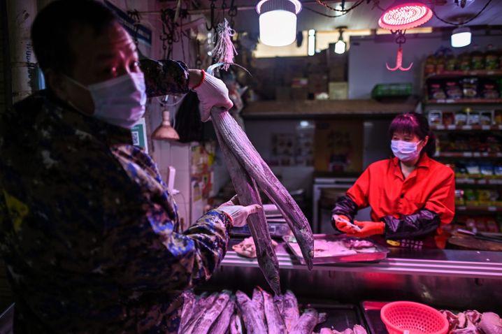 Der Huanan-Fischmarkt in Wuhan: ein erstes Epizentrum der Seuche