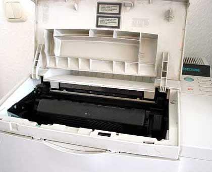 Patrone im Drucker: Tonerstaub steht im Verdacht, Krankheiten auszulösen.