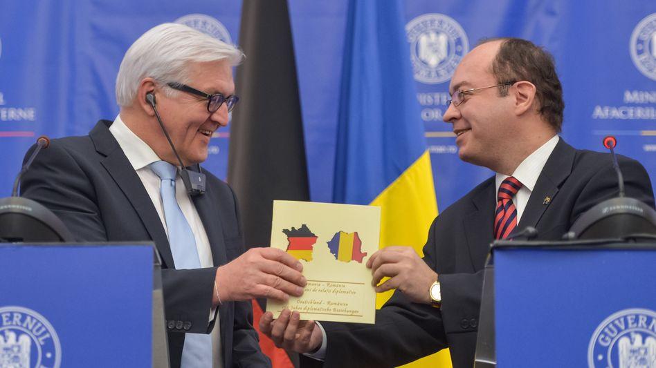 """Außenminister Steinmeier mit rumänischem Amtskollegen Aurescu: """"Bedauerlicher technischer Fehler"""""""