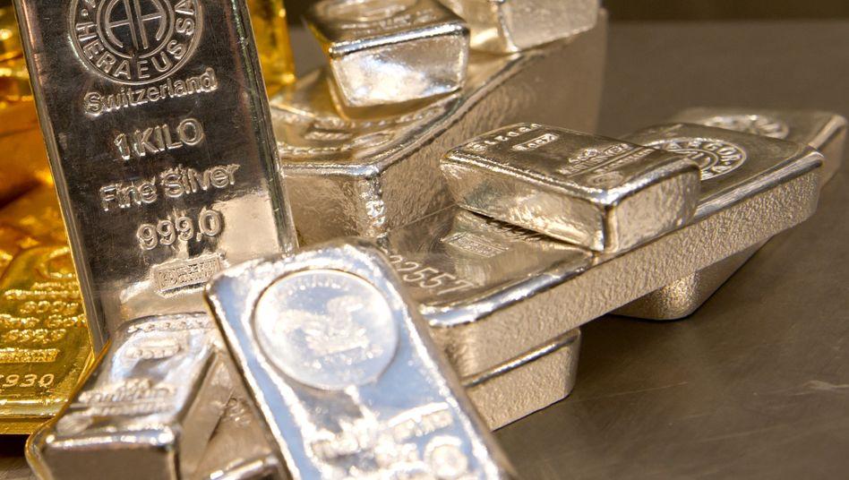 Gold- und Silberbarren (Symbolbild): Plus 15 Prozent in wenigen Tagen